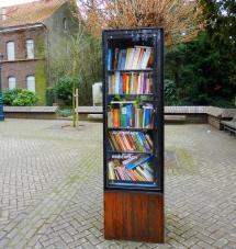 1-22: Bücherschrank